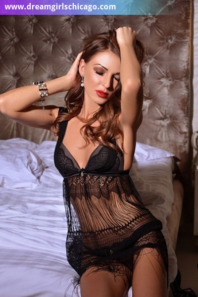 Chicago escort Polina image 3